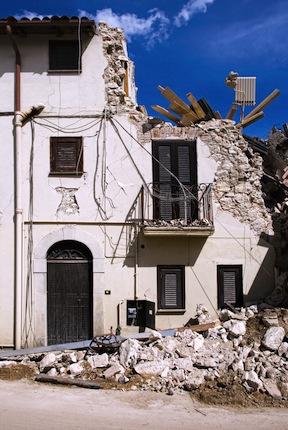 CNH aiuta la ricostruzione in Emilia