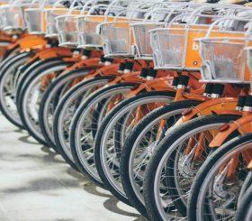 Noleggio di biciclette, monopattini, Uber