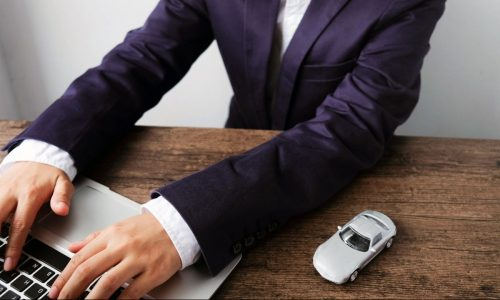 digital-dealer-selling-car-